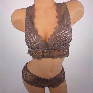 Victoria's Secret large bralette set new